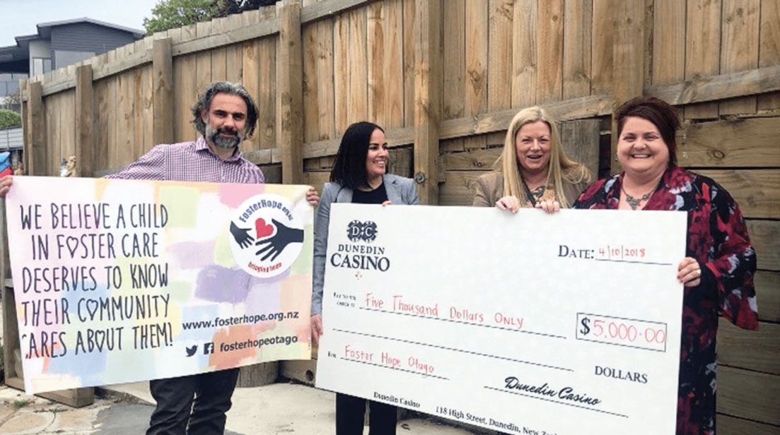 Dunedin-casino-donates-5000-to-Foster-Hope-Otago-Charity-Organization